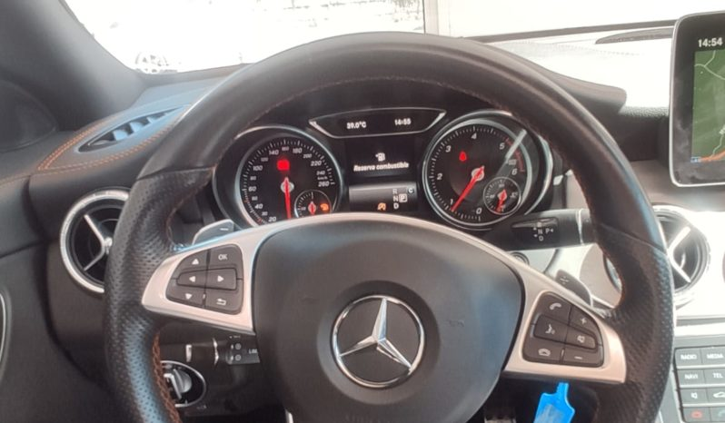 MERCEDES-BENZ Clase CLA CLA 200 d AMG Line Shooting Brake lleno