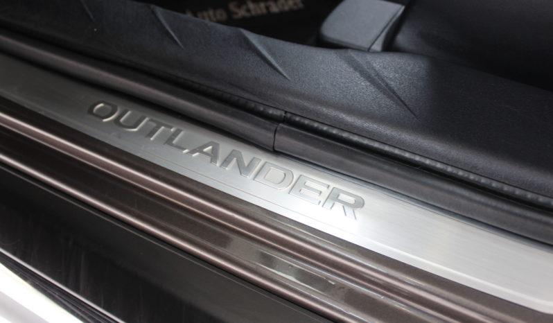 MITSUBISHI Outlander 220 DID 156 CV lleno