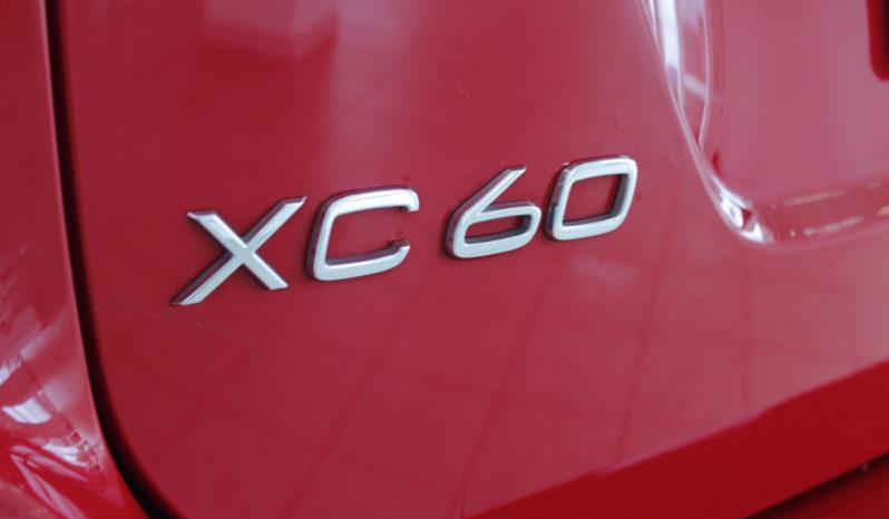 VOLVO XC60 2.0 D4 RDesign Momentum Auto lleno