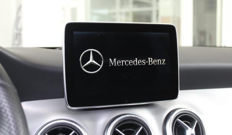 MERCEDES-BENZ – CLA 220 CDI AMG LINE SHOOTING BRAKE lleno