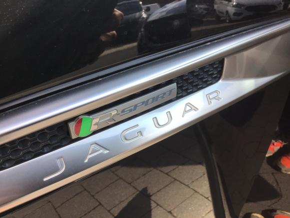 JAGUAR Fpace 3.0L TDV6 AWD RSport lleno
