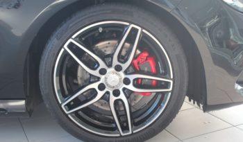 MERCEDES-BENZ Clase CLA CLA 220 d AMG Line Shooting Brake lleno
